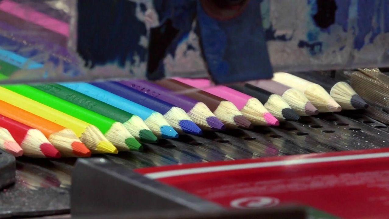 Stifte von Faber-Castell liegen nebeneinander