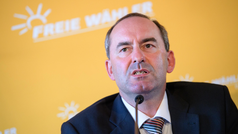 Freie Wähler-Chef Aiwanger auf der Vorstands-PK seiner Partei in München