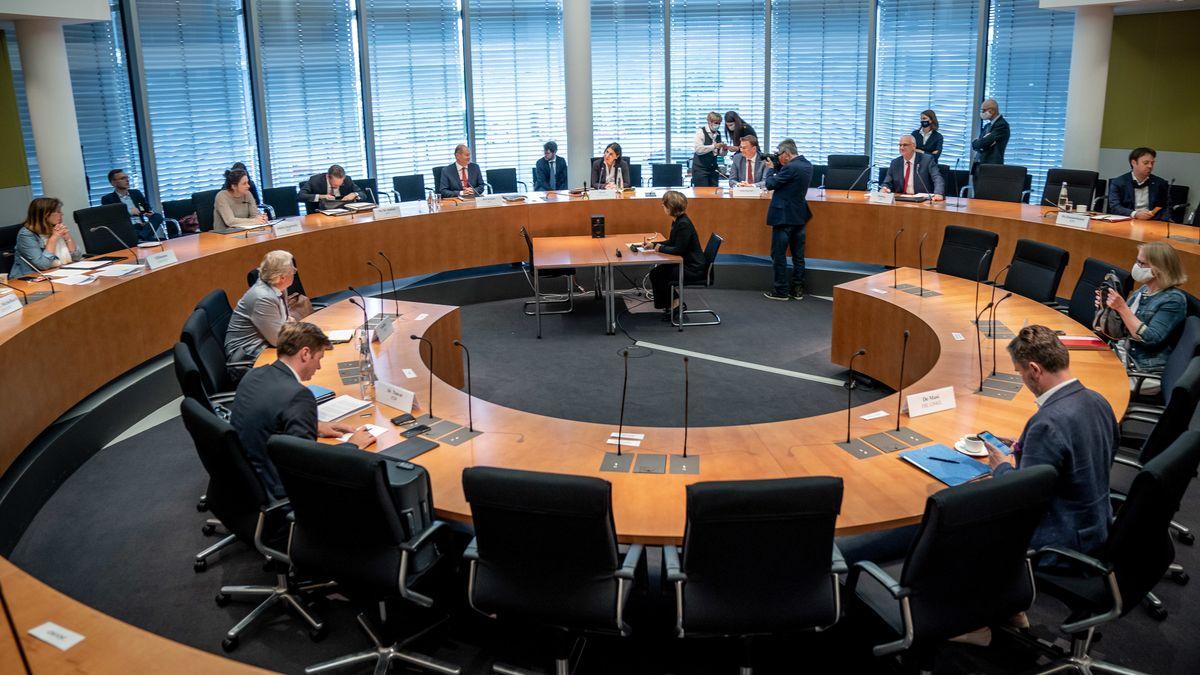 Sitzung Bundestags-Finanzausschuss zum Wirecard-Skandal