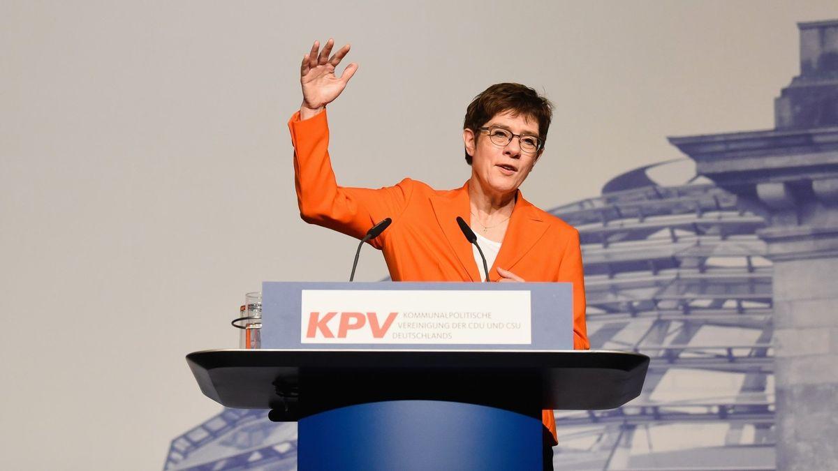 Annegret Kramp-Karrenbauer beim Kongress der Kommunalpolitischen Vereinigung von CDU/CSU