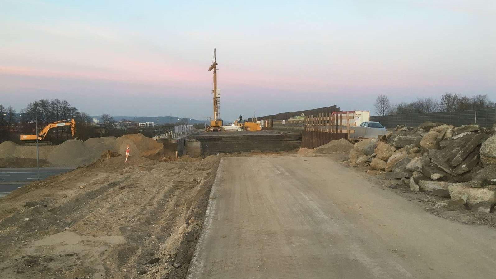 Bauarbeiten an Brücke über A3 bei Regensburg (Archiv).