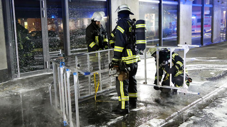 Brand in Aschaffenburg greift auf Geschäftshaus über