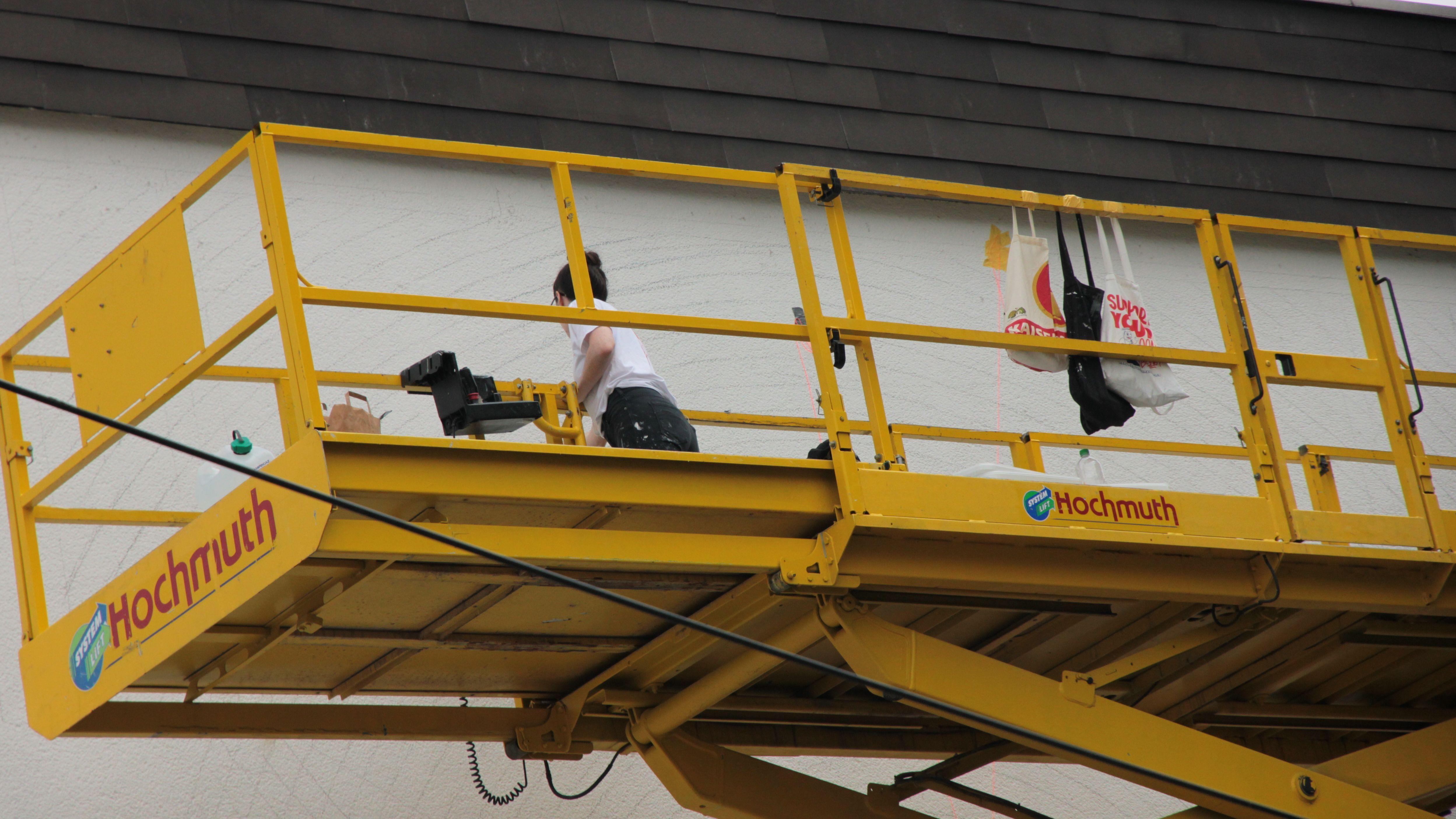 Georgia Hill bei der Arbeit in der Rivera Straße 4 in Erding.