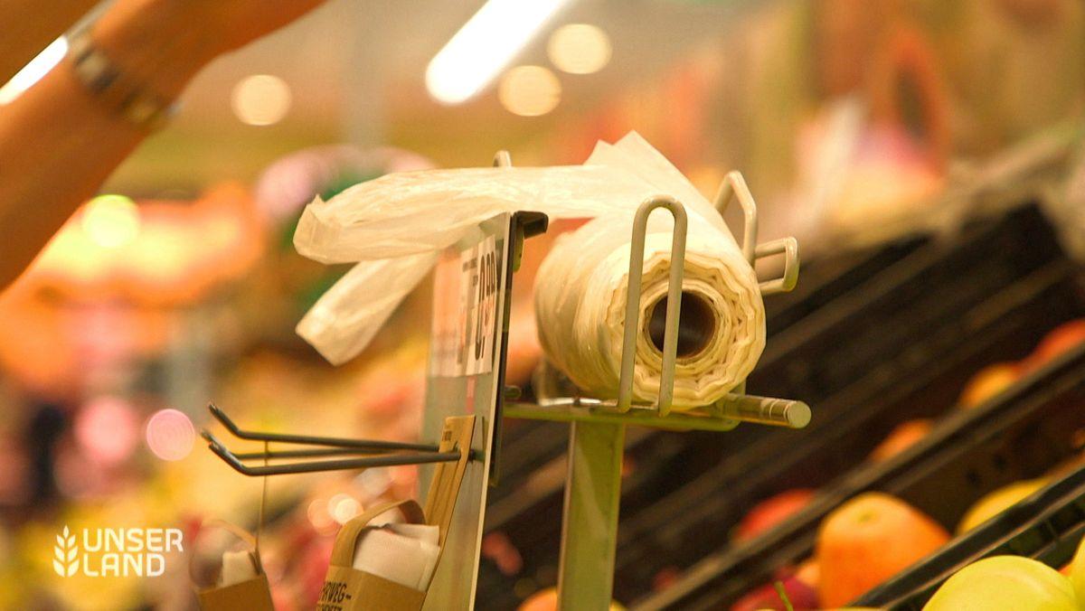 Plastiktüten im Supermarkt