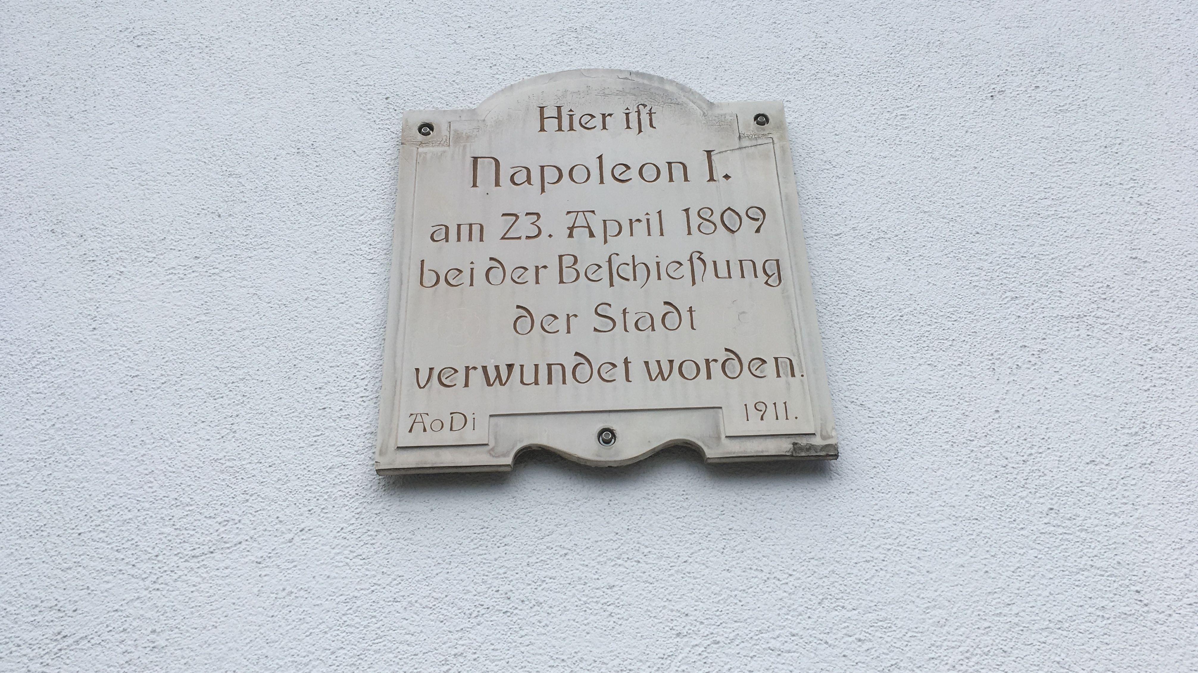 Gedenktafel zur Verwundung Napoleons