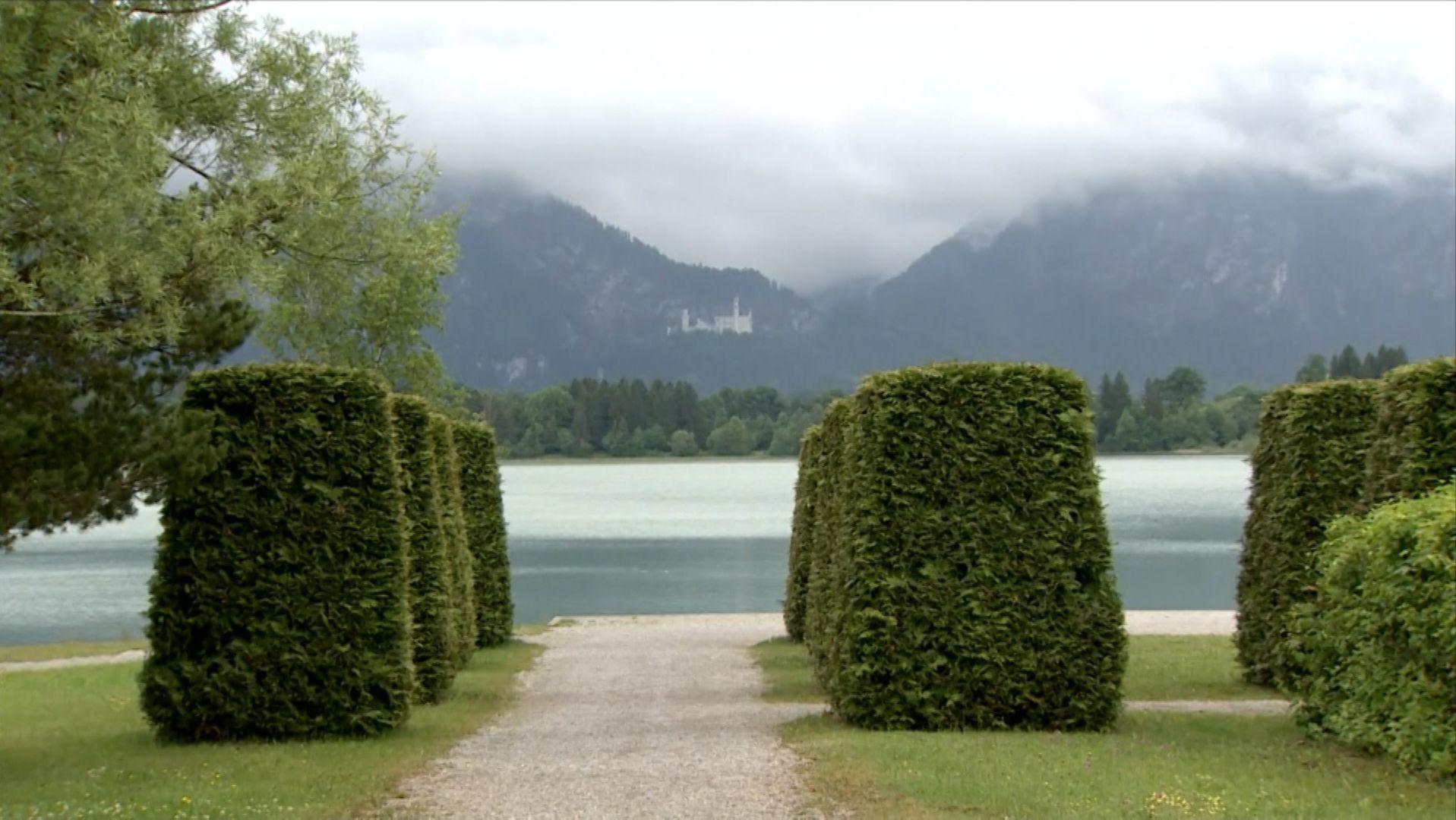 Der Stadtrat Füssen hat am Dienstagnachmittag entschieden, dass das Bürgerbegehren gegen das geplante Luxushotel am Festspielhaus direkt am Ufer des Forggensees zulässig ist.
