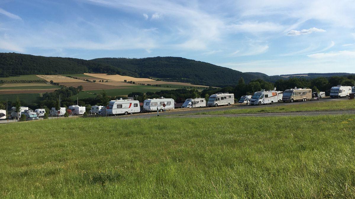"""Camping- und Wohnmobilstellplatz """"Forellenhof""""."""