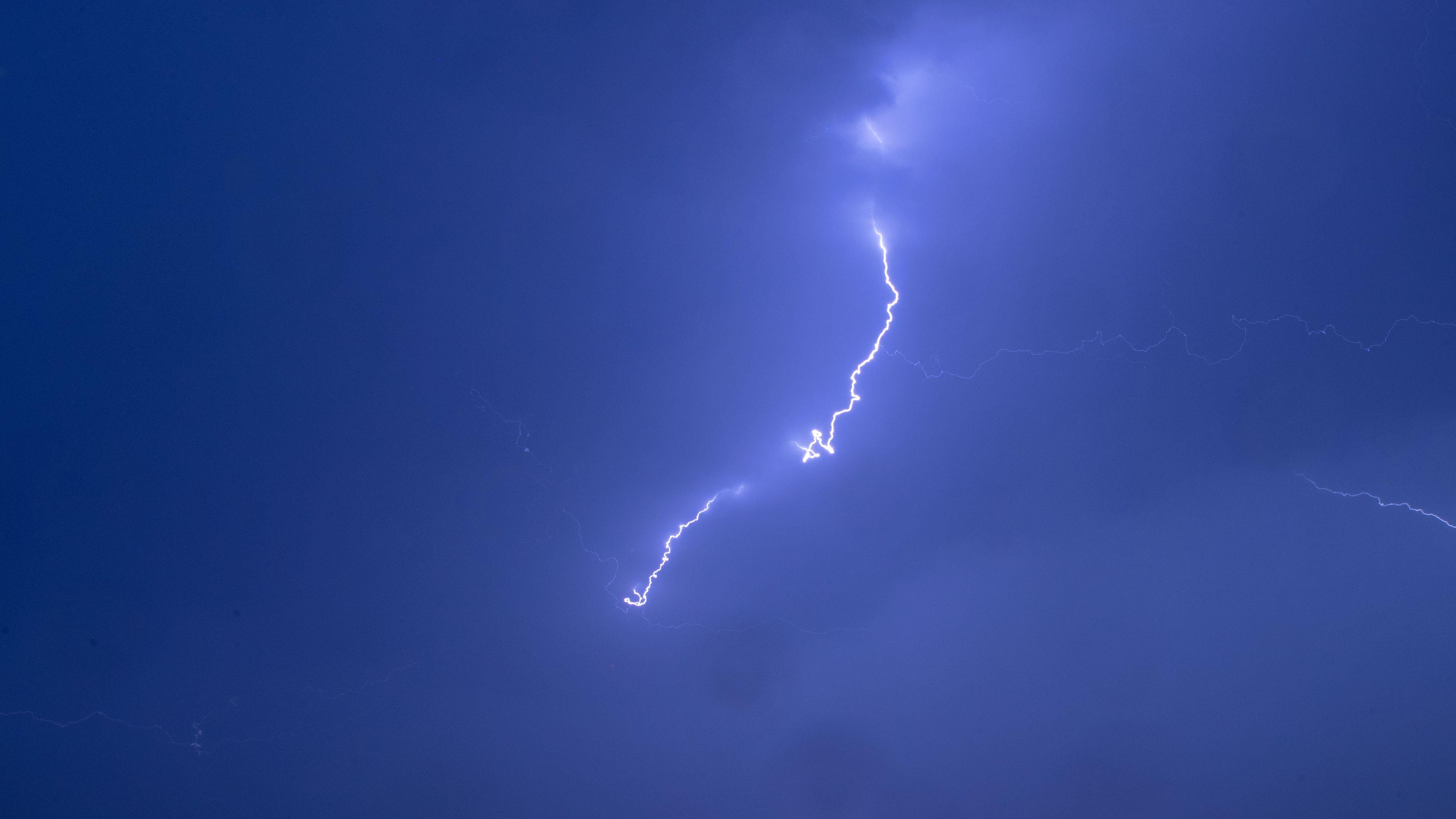 Blitzeinschlag legt Leitsystem im Tunnel Garham bei Freyung lahm