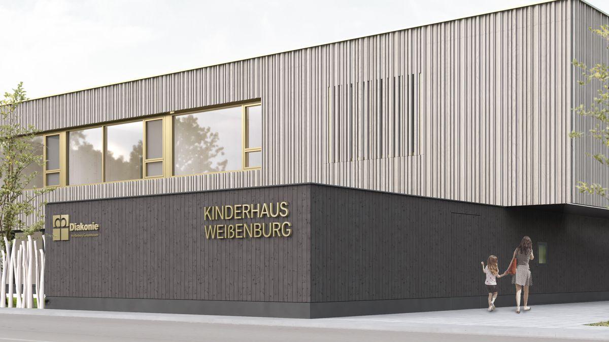 """Architektenbild: Quadratischer Flachbau mit großen Fenstern und Holzstreben verkleidet und der Aufschrift """"Kinderhaus Weißenburg"""""""