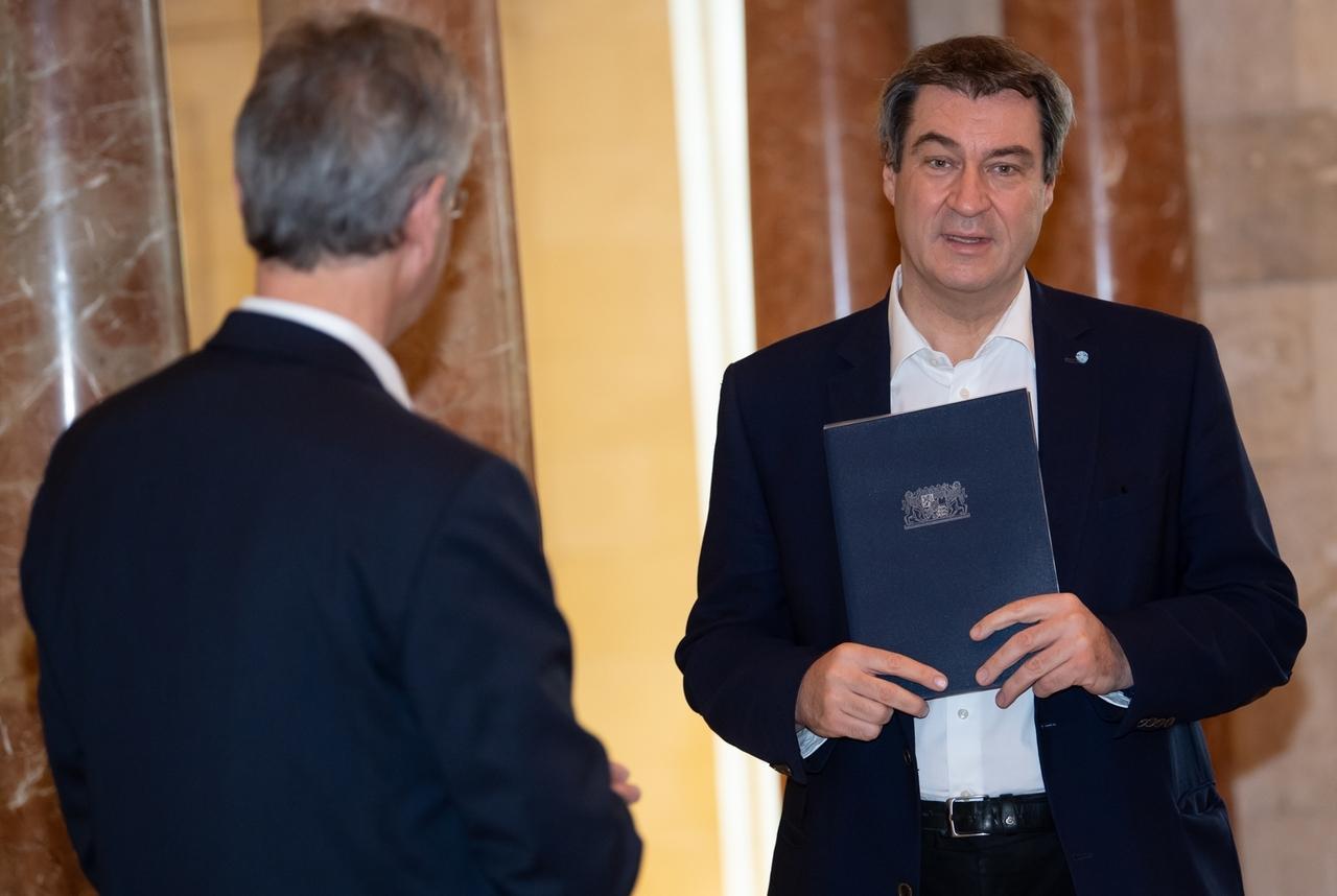 Ministerpräsident Söder und Kultusminister Piazolo