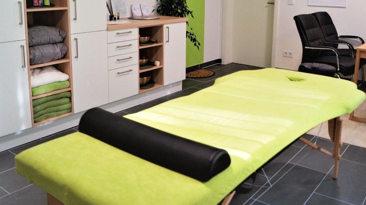 Die leere Massage-Praxis von Christian Bayer.