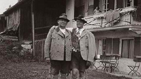 Die Brüder Joseph und Otto Rothschild, die beiden Inhaber des Münchner Hut- und PutzgeschäftesHeinrich Rothschild.
