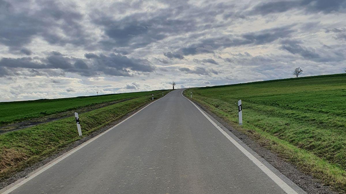 Main-Spessart verzichtet auf Mittelstreifen bei schmalen Straßen