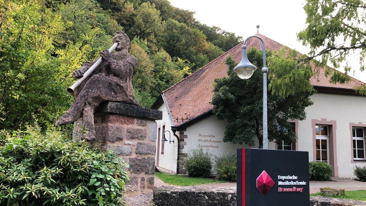Die Bayerische Musikakademie Hammelburg auf dem Gelände des ehemaligen Klosters.