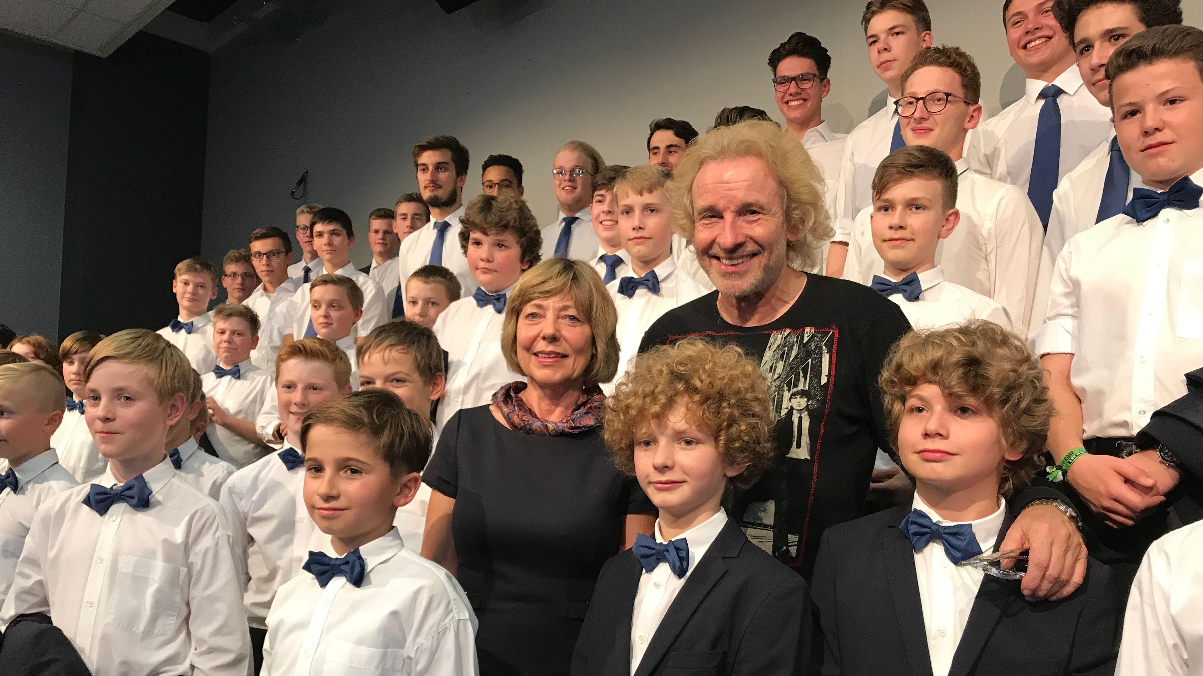 Thomas Gottschalk ist neuer Schirmherr des Windsbacher Knabenchors. Neben ihm: Daniela Schadt, die Lebensgefährtin des ehemaligen Bundespräsidenten Joachim Gauck