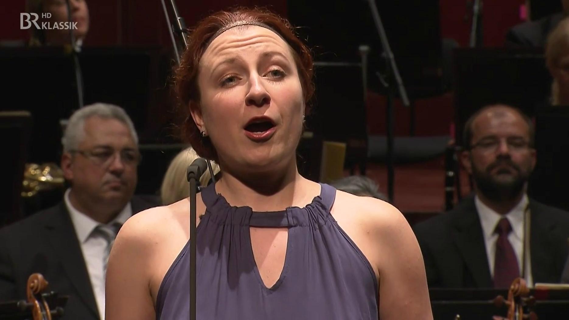 Natalia Boeva singt beim ARD-Musikwettbewerb am 12.9.,  wo sie den ersten Preis erhalten hat.