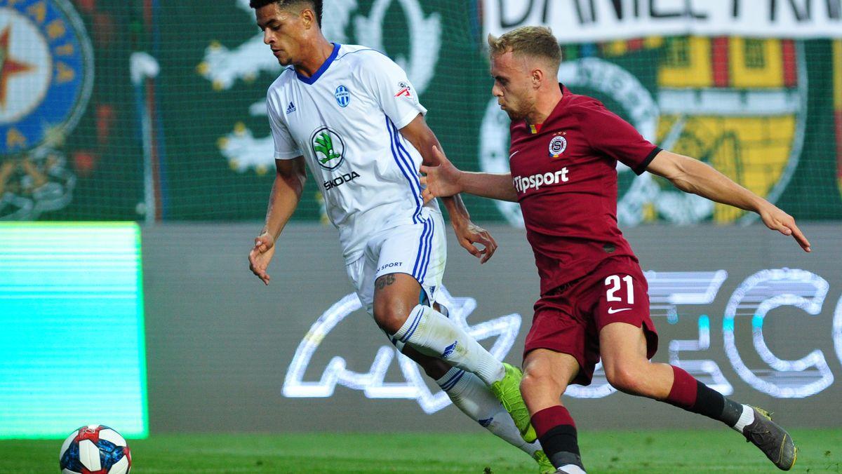 Würzburger Kickers verpflichten Mittelfeldspieler Martin Hašek (rechts im Bild)