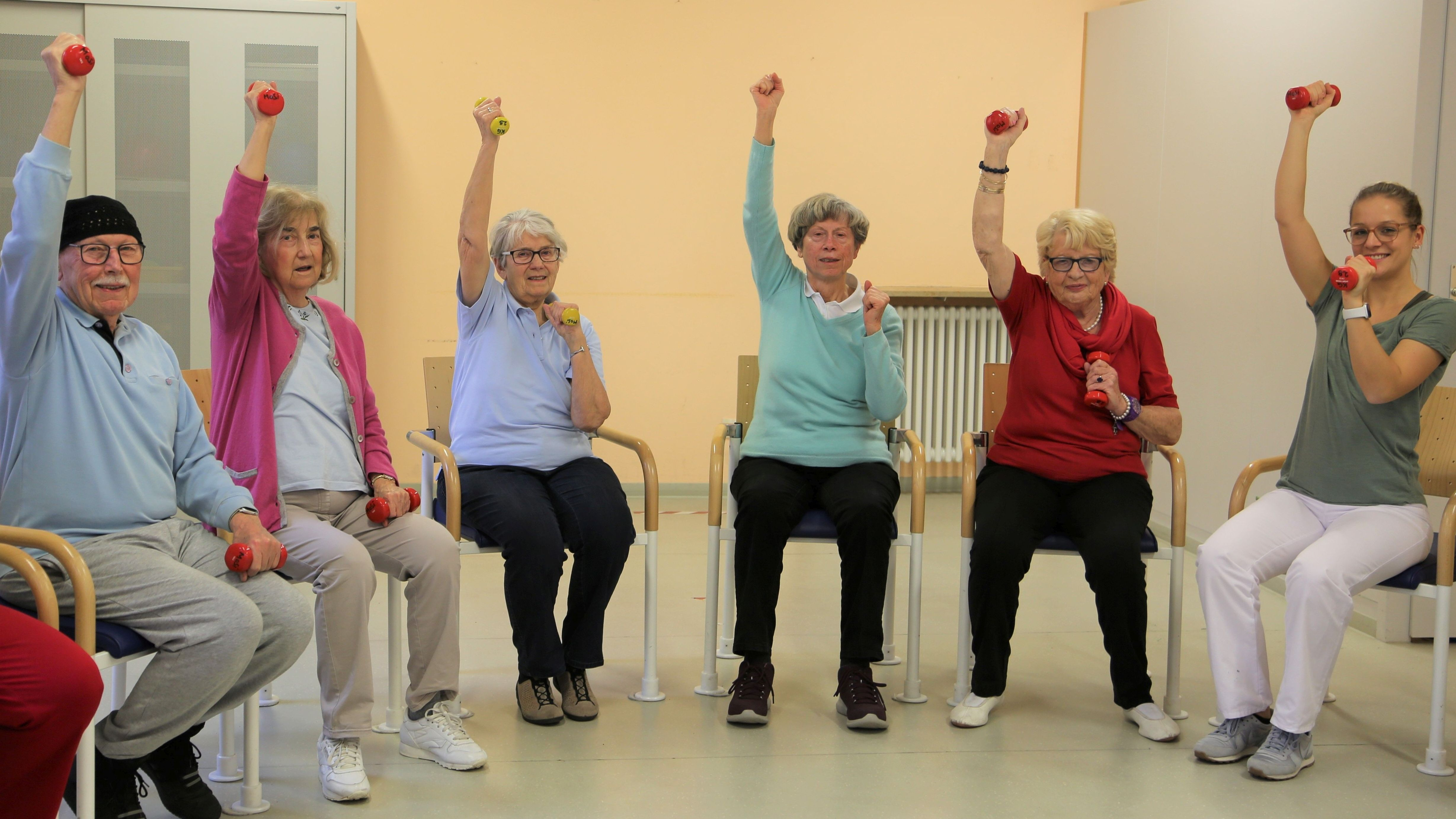 Senioren beim MoSi-Training am Erlanger Malteser Waldkrankenhaus St. Marien