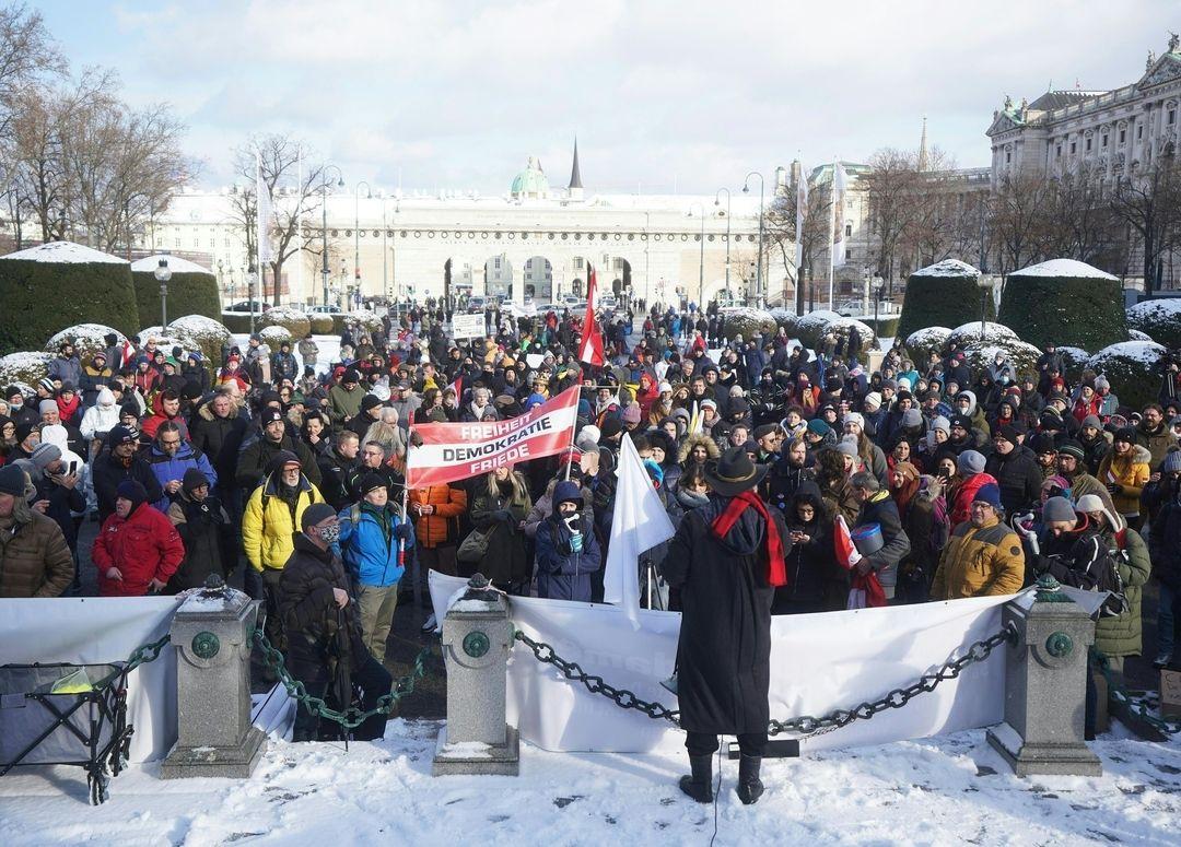 Österreich: 10.000 Menschen demonstrieren gegen Corona-Maßnahmen