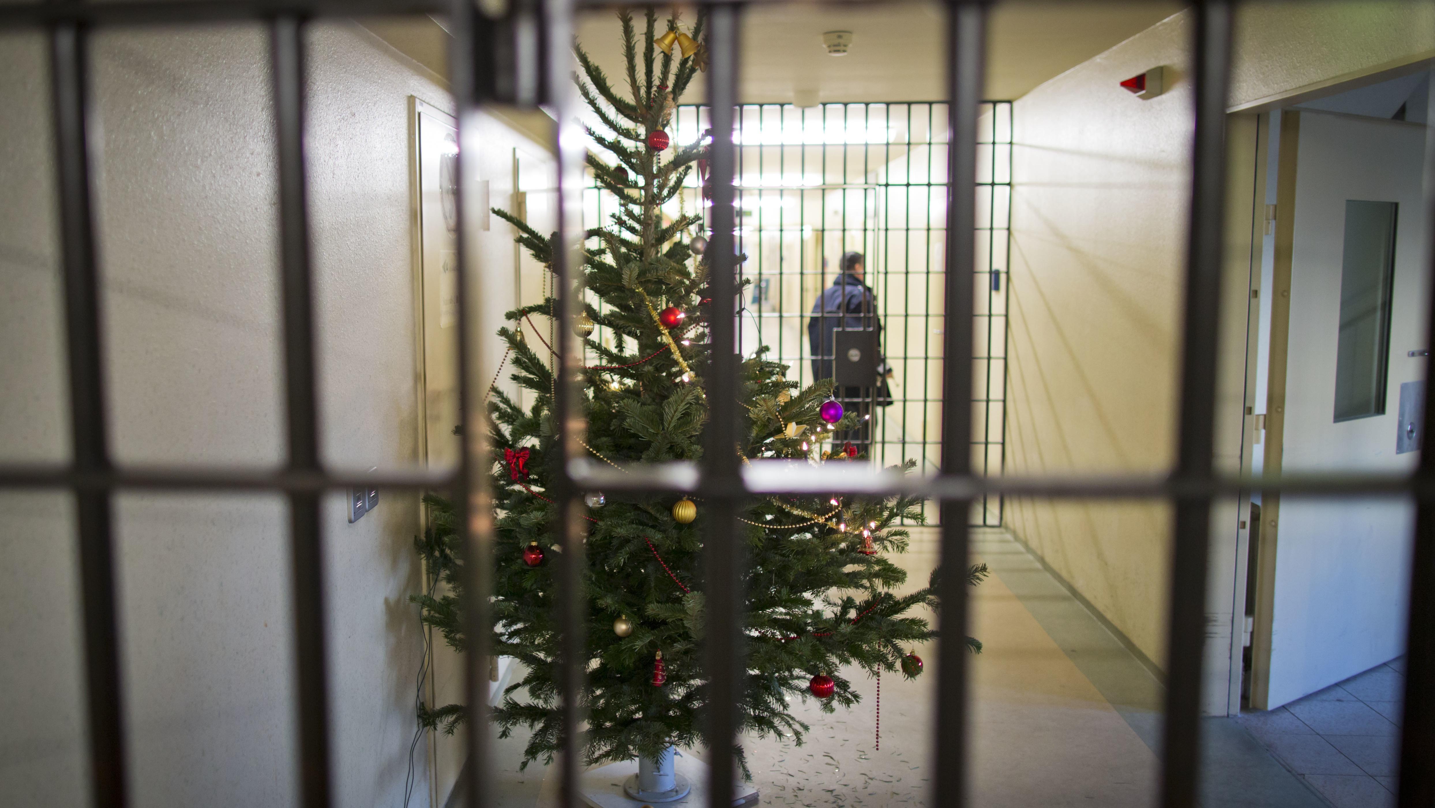 Weihnachten hinter Gittern (Symbolbild)