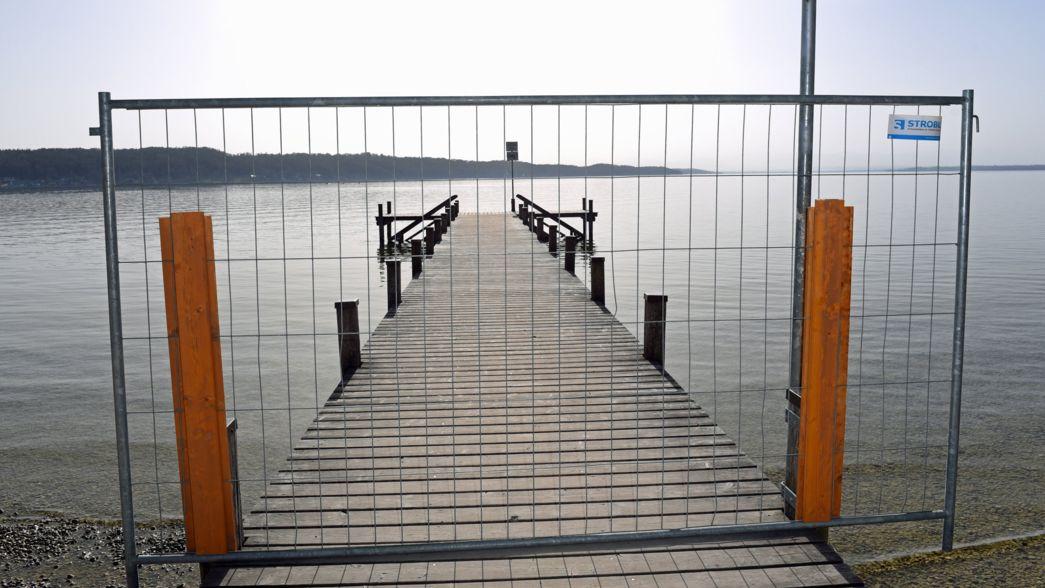 Gesperrter Steg am Starnberger See