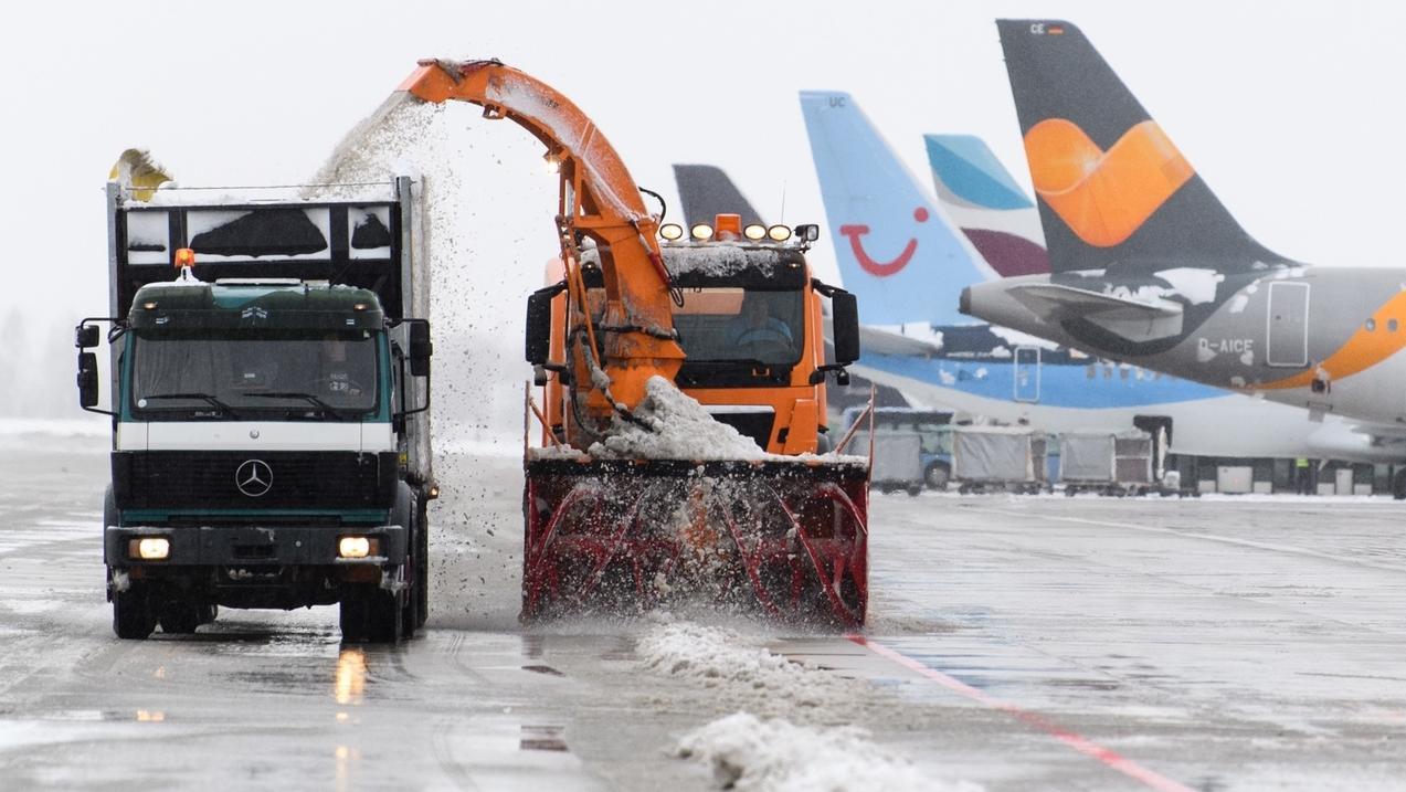 Winter am Flughafen in München.