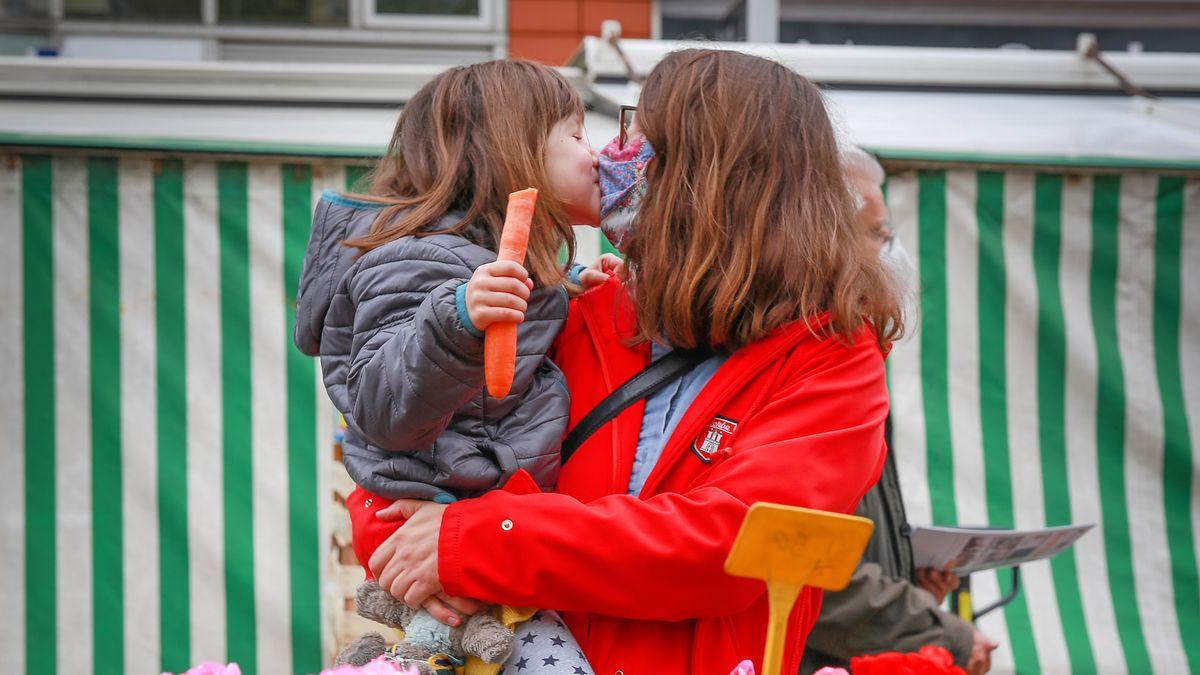 Kinder sind laut der heute vorgestellten Studie weniger häufig infiziert als ihre Eltern.