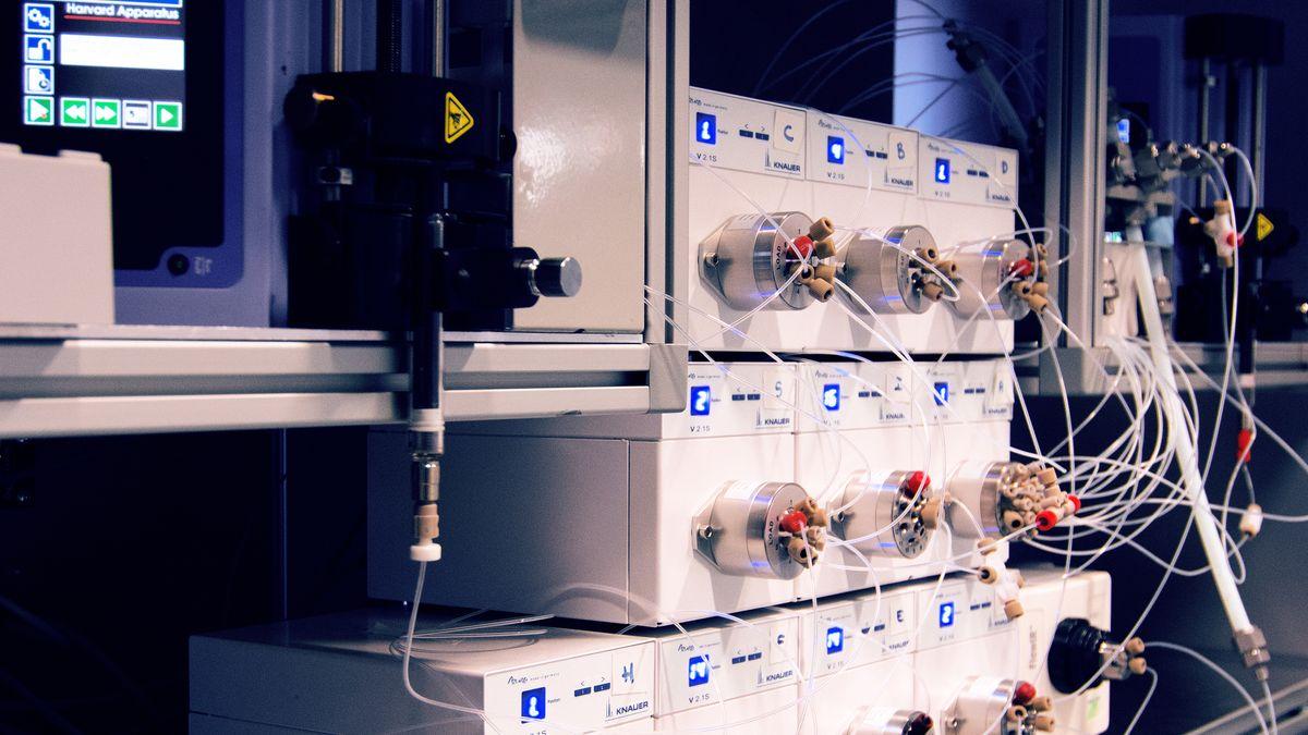 Dieser Apparat kann Medikamentenwirkstoffe produzieren.
