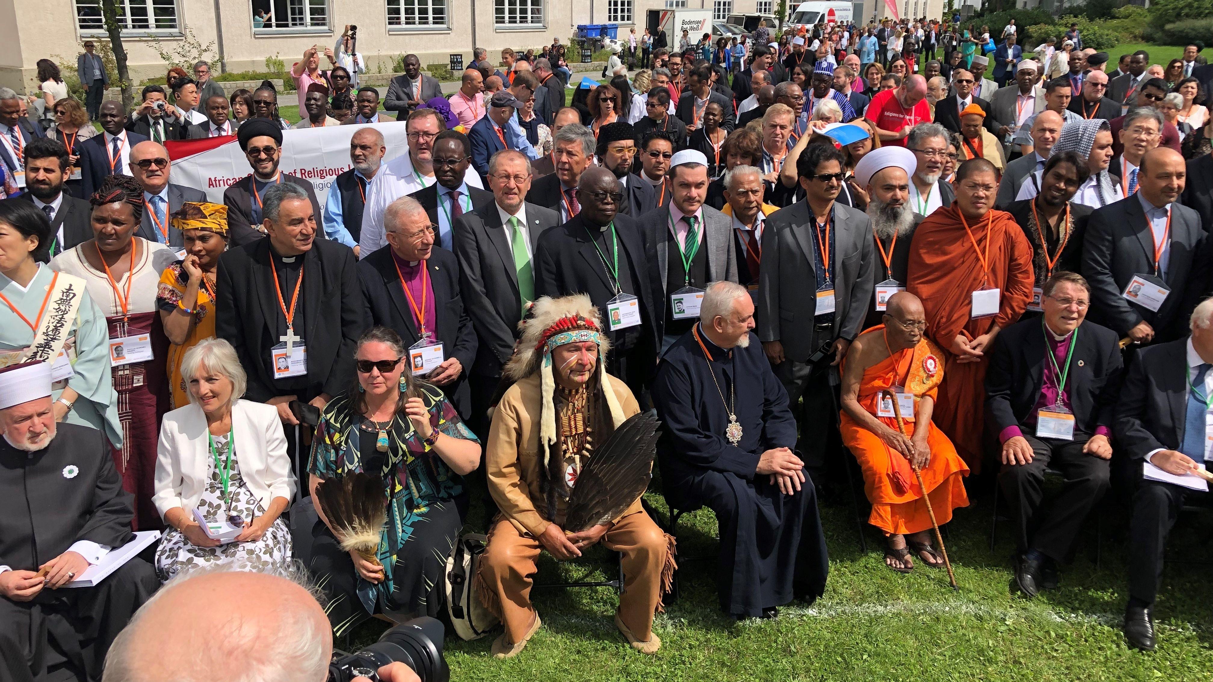 Teilnehmer des Friedensgipfels in Lindau am Bodensee.