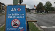 Plakat zum Bürgerentscheid gegen den Moscheebau auf kommunalem Grund  | Bild:BR/ Rupert Waldmüller
