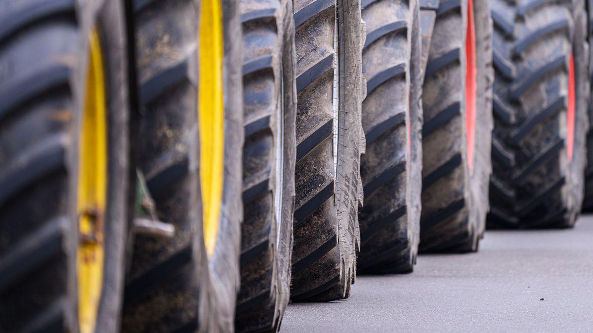 Traktoren auf der Straße