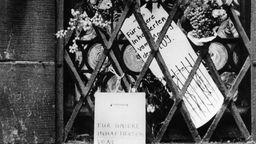 Konspirative Botschaften an der Nikolaikirche Leipzig  | Bild:dpa