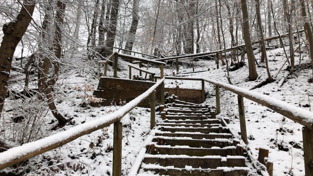 Der Mittwoch begann in Bayern etwas ungemütlich. Im Süden des Landes , wie hier in Traunstein, gab es starken Schneefall.