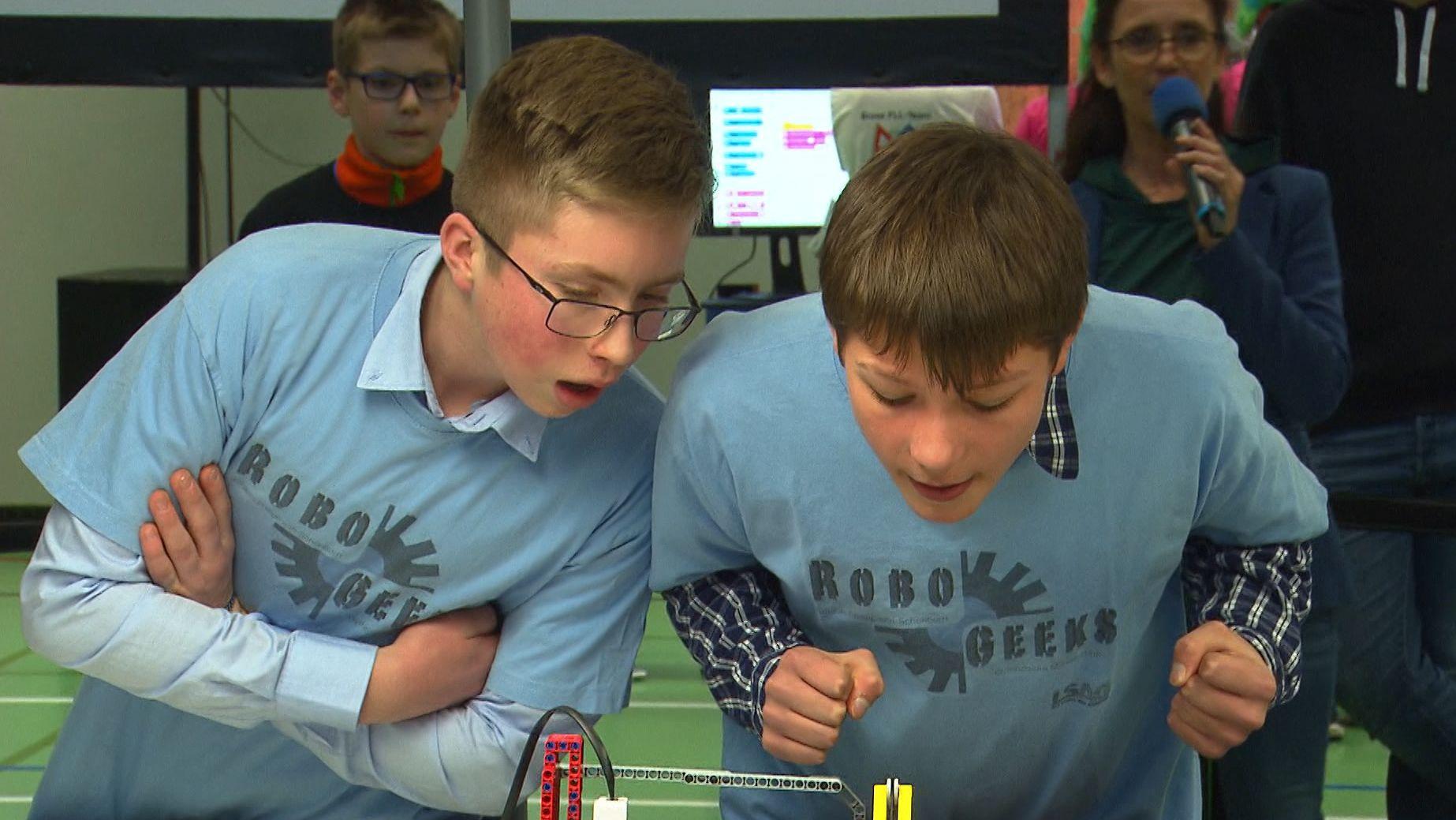 """Unterfränkische Schüler beim Regionalwettbewerb """"First Lego League 2020"""" in Würzburg"""