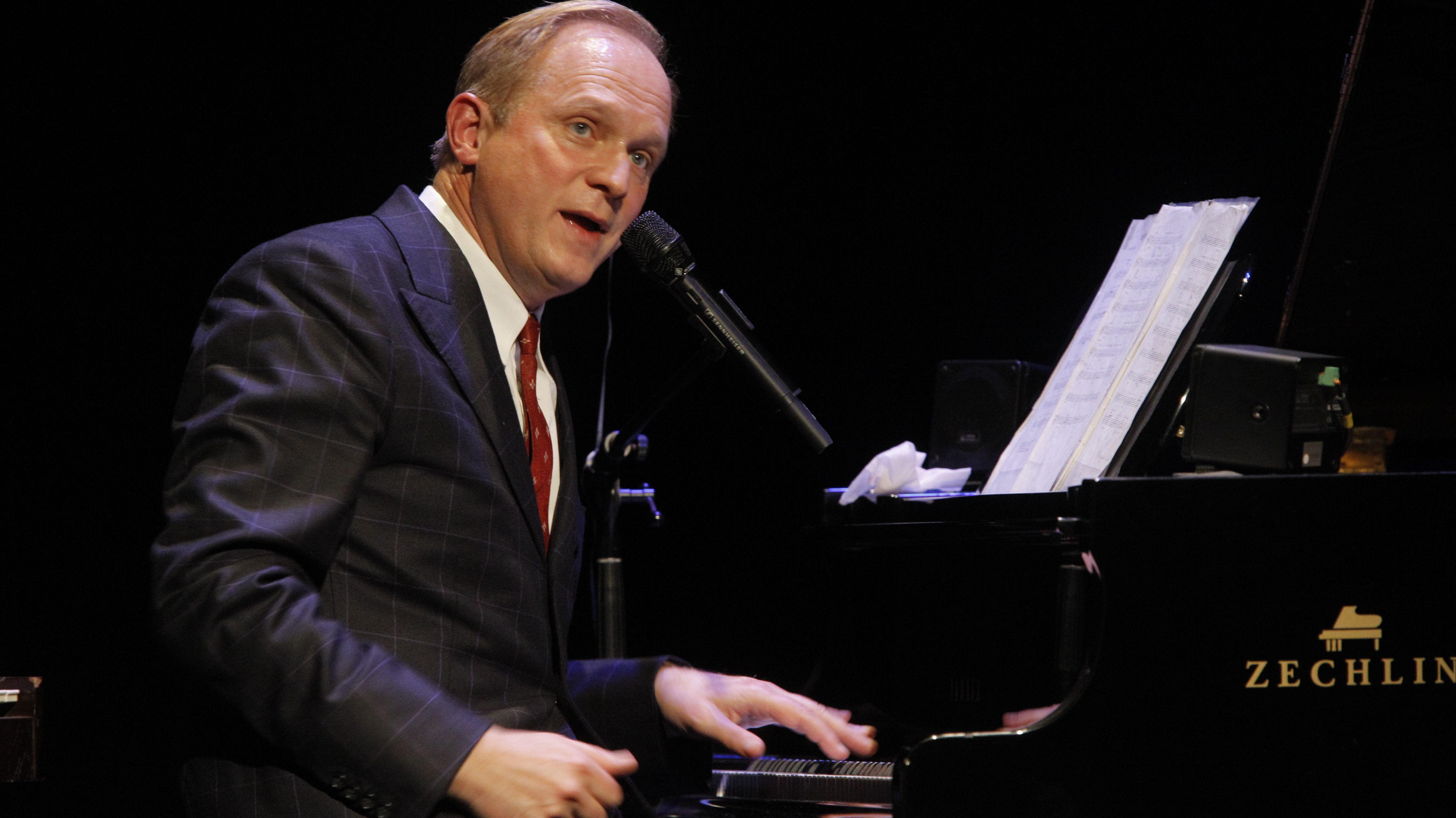 Auch Ulrich Tukur wird in Passau auftreten.