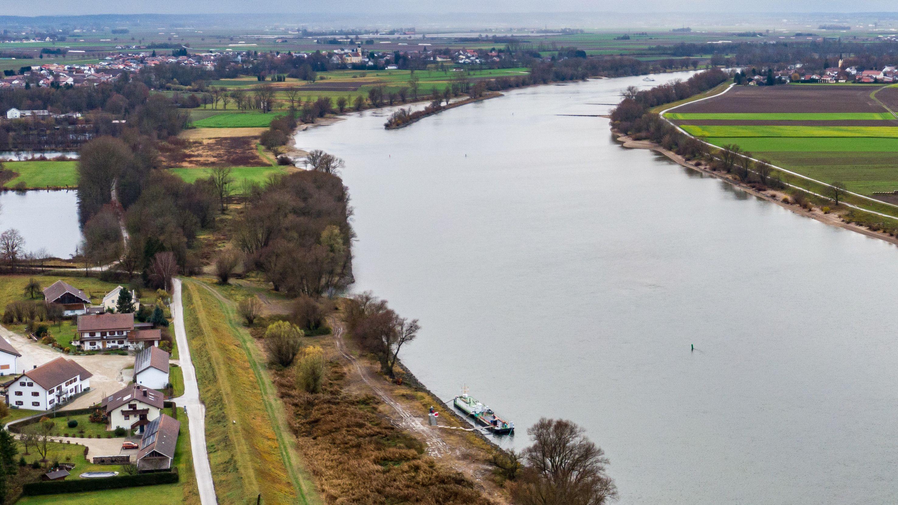 Die Donau zwischen Straubing und Deggendorf