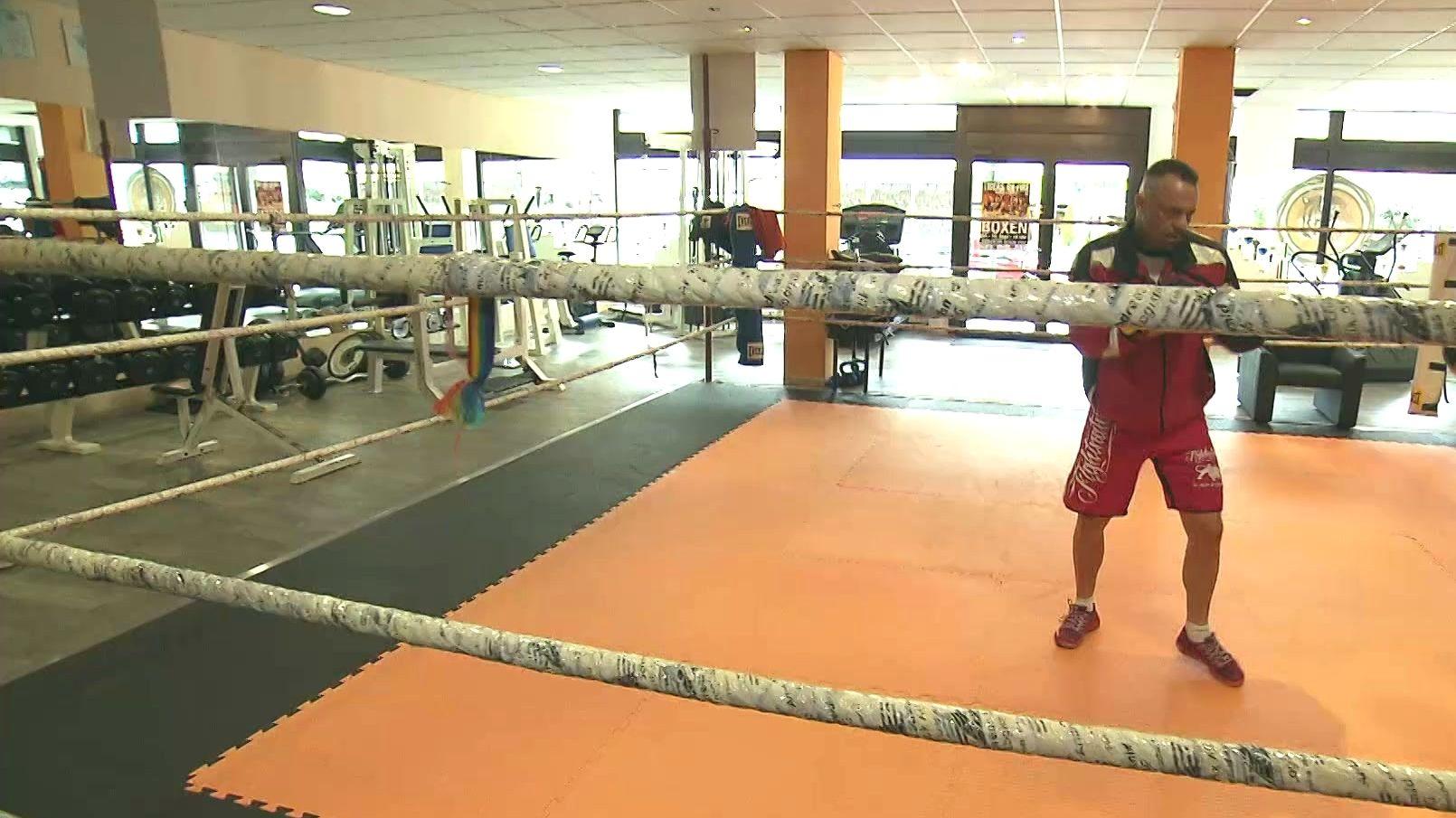 Guido Fiedler in seinem Kampfsport-Studio in Augsburg