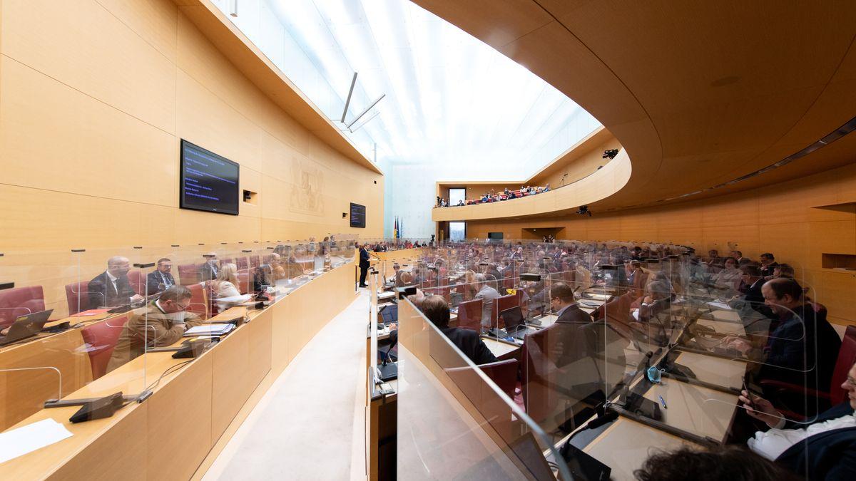 Der Bayerische Landtag versammelt sich zum letzten Plenum in diesem Jahr