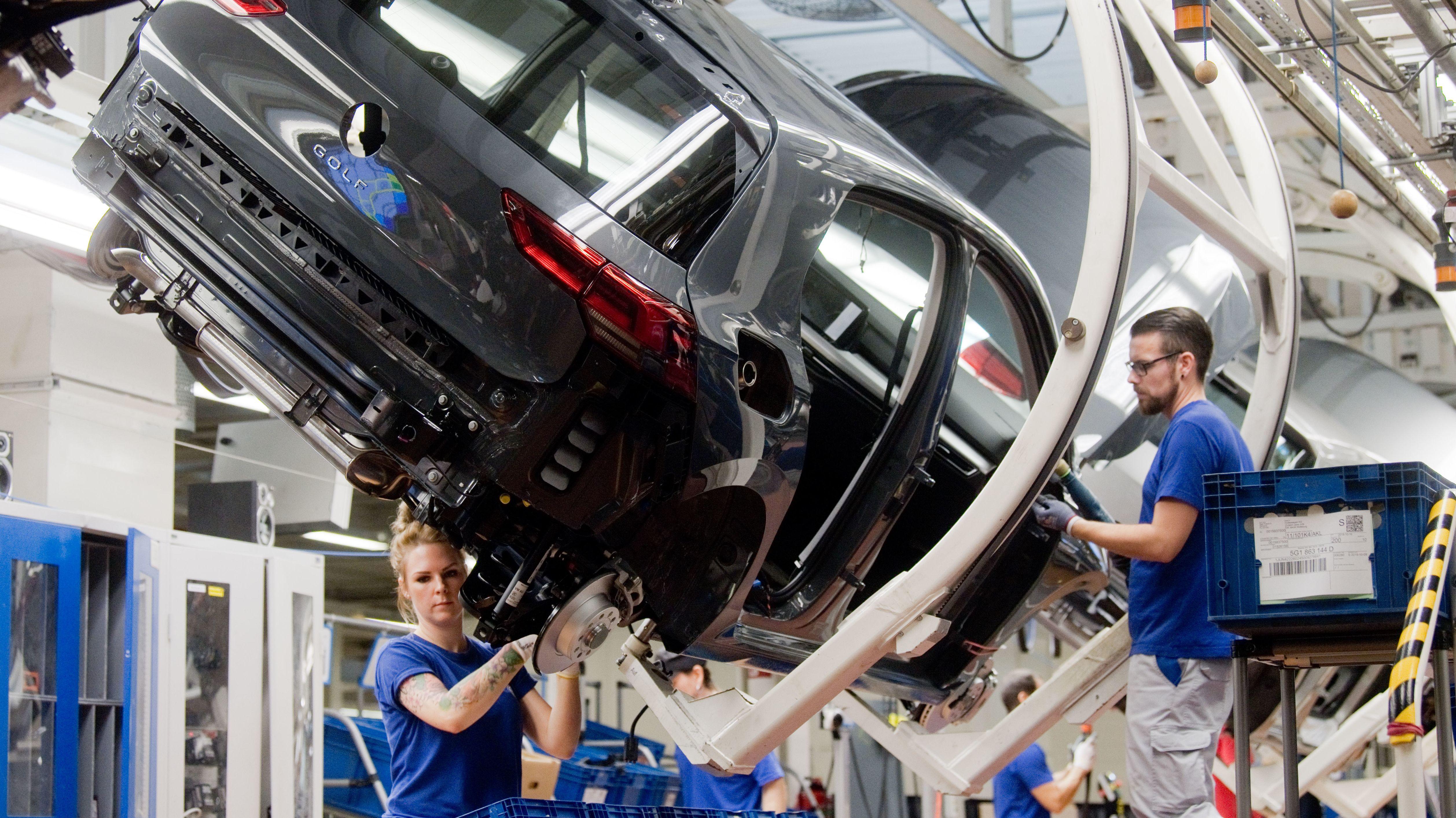 Montagelinie im Volkswagenkonzern