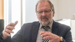 Der Präsident des Deutschen Lehrerverbandes, Heinz-Peter Meidinger. | Bild:dpa-Bildfunk/Armin Weigel