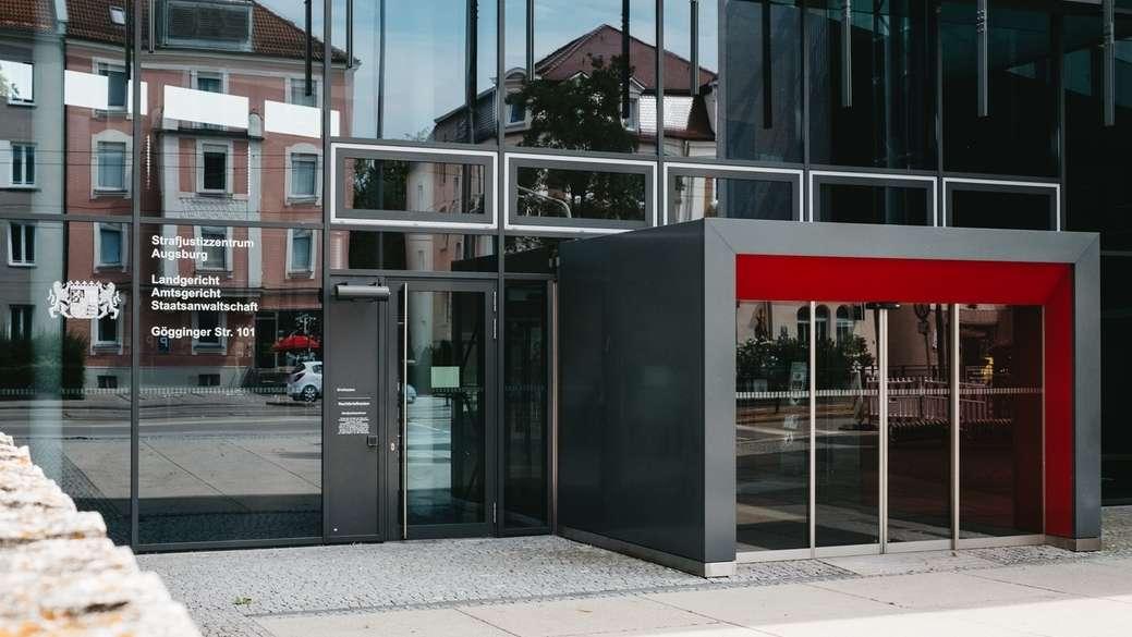 Das Strafjustizzentrum in Augsburg: Hier sind Staatsanwaltschaft, Landgericht und Amtsgericht untergebracht