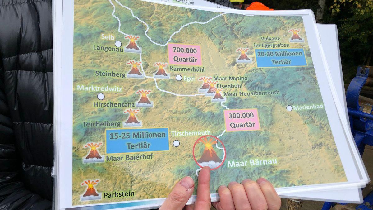 Landkarte mit Vulkanen