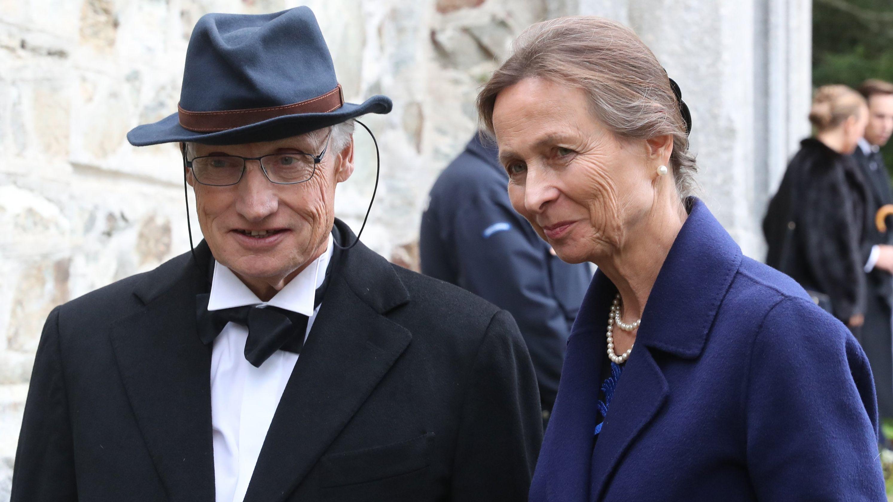 Luitpold Prinz von Bayern und seine Frau Beatrix kommen zur Hochzeit von Konstantin von Bayern und Deniz Kaya in St. Moritz (Archivbild)