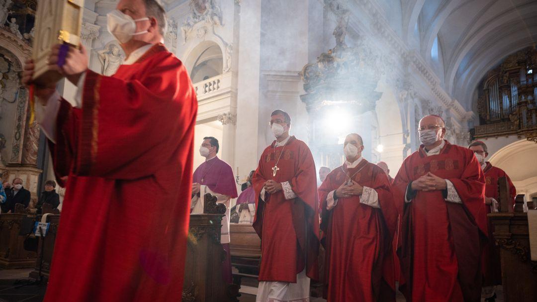 Bischöfe beim Eröffnungsgottesdienst der Herbstvollversammlung der Deutschen Bischofskonferenz im September 2021 in Fulda