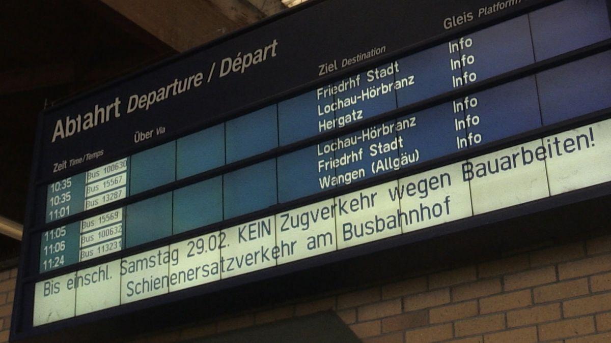 Anzeigetafel auf Bahnhof