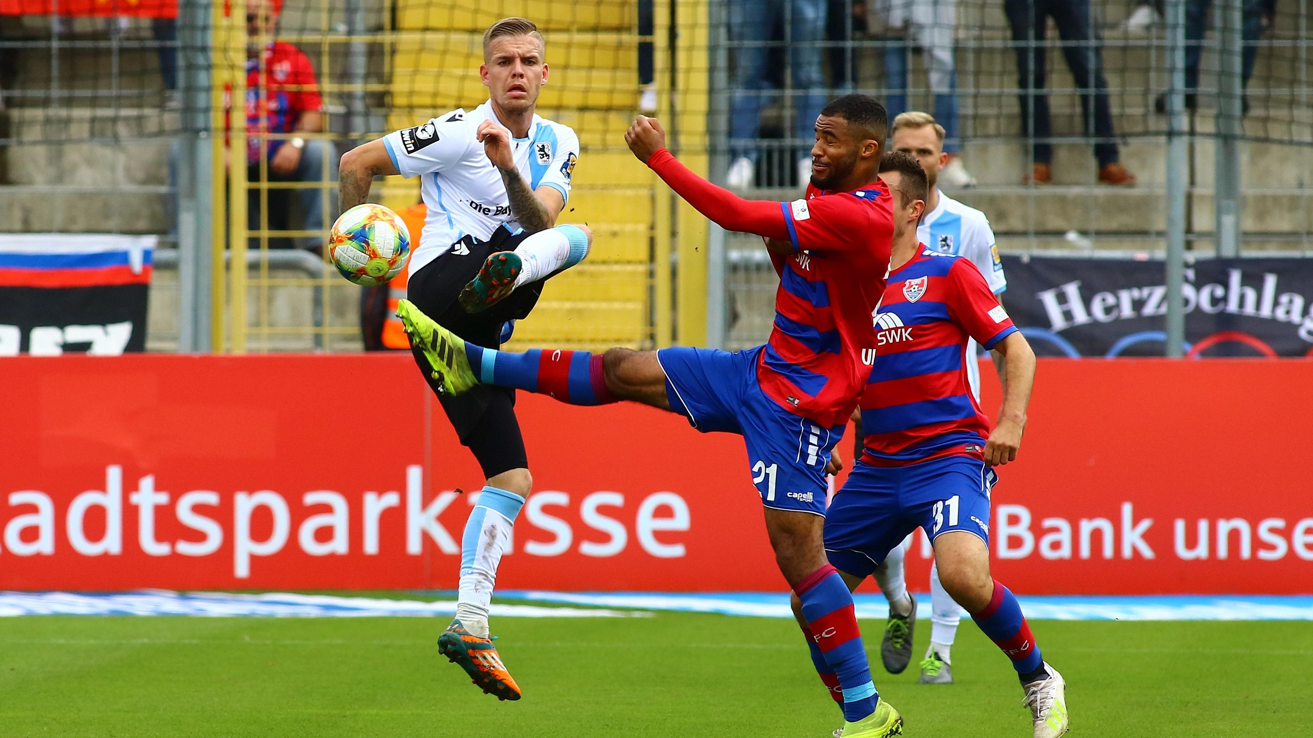Spielszene TSV 1860 München - KFC Uerdingen