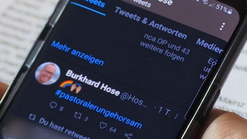 Der Würzburger Studentenpfarrer Burkhard Hose sammelt Unterschriften gegen das Segnungsverbot für gleichgeschlechtliche Paare.