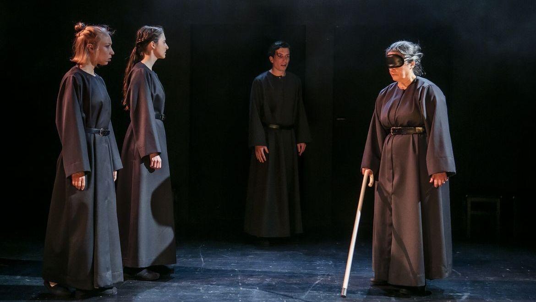 """Premiere: """"Am Königsweg"""" von Elfriede Jelinek am Theater Regensburg"""