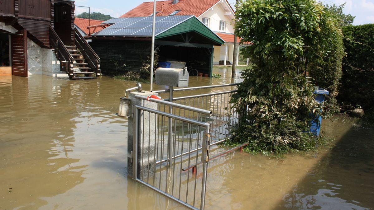 Der Deggendorfer Ortsteil Fischerdorf stand 2013 komplett unter Wasser.