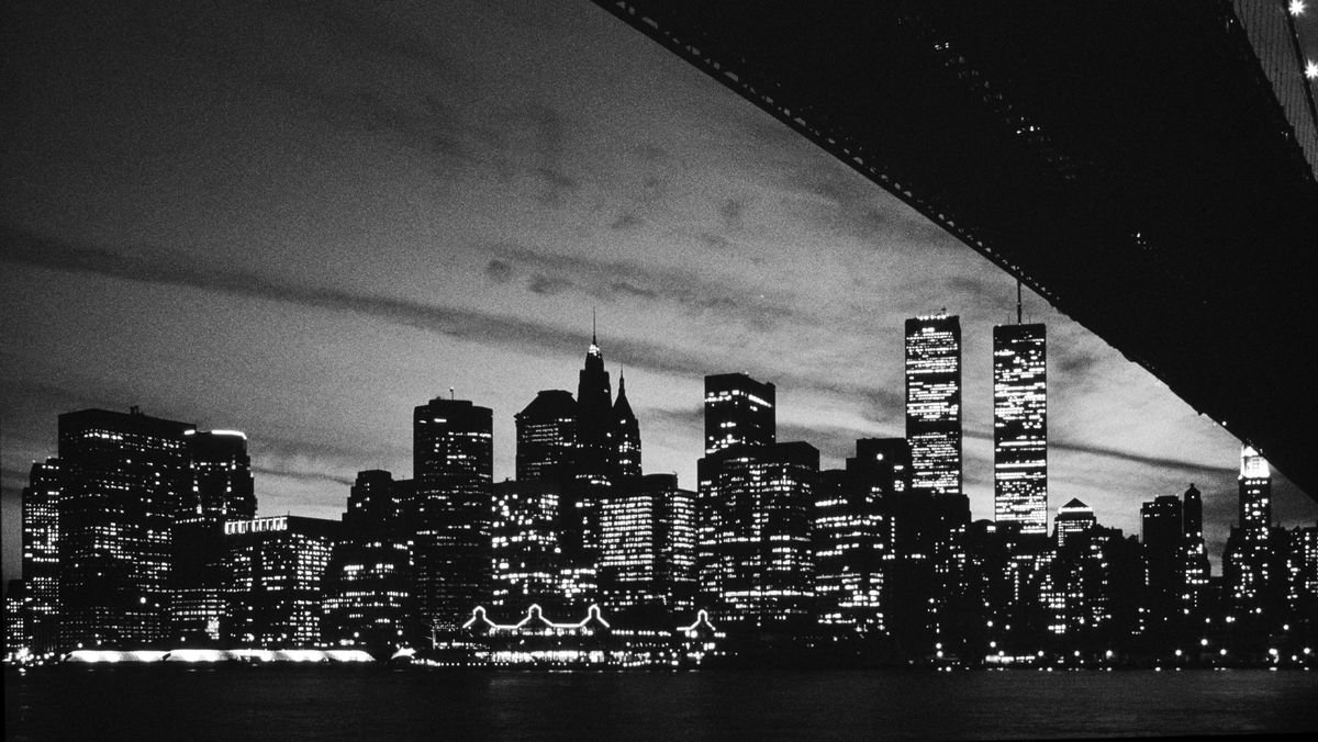 Brooklyn Bridge, Sicht auf Manhattan-Skyline mit ehemaligem World Trade Center.